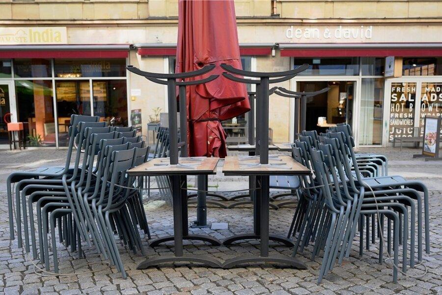 Im Moment ist die Freiluftgastronomie noch geschlossen. Das soll sich aber ab Freitag ändern. Dann soll Sachsens Gastronomie unter Auflagen wieder starten.