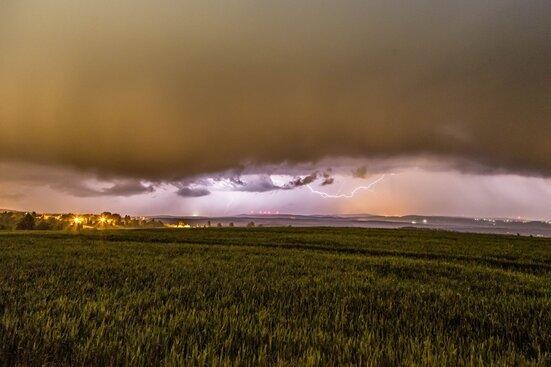 Gewitter ziehen über die Region