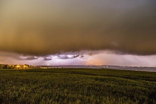 Gewitter mit Starkregen im Anmarsch