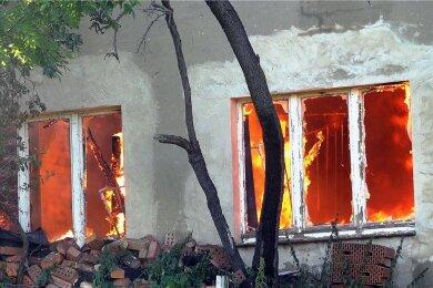 Am 12. August 2020 setzt Rolf M. einen Bauernhof in Brand. Der 63 Jahre alte Mann aus dem Amtsberger Ortsteil Weißbach im Erzgebirgskreis hat vor dem Chemnitzer Landgericht zwei Stunden lang erzählt, wie und warum er sein Elternhaus vernichtet hat.