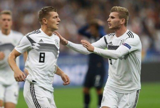 DFB-Fans stimmen für frühere Anstoßzeiten