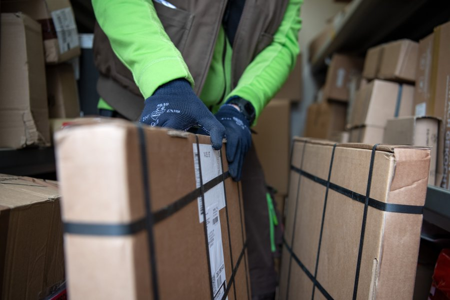 Einbrecher stehlen Pakete - mit GPS-getracktem Firmenwagen