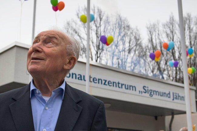 Jähn im März 2019 im Chemnitzer Kosmonautenzentrum.
