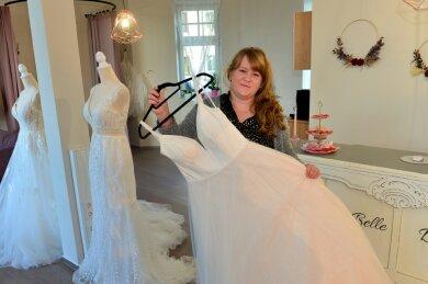 In ihrem kürzlich eröffneten Brautmodengeschäft in der Schürzenfabrik lässt Susann Mönnich Träume wahr werden - die ihrer Kundinnen und ihren eigenen.