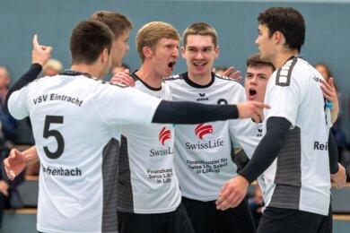 Gegen den SV Kreuzschule Dresden lief es für den VSV Eintracht, der seine Punktgewinne entsprechend ausgelassen feierte.