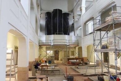 Blick in die Marienkirche. Die Gerüste im Kirchenschiff sind inzwischen fast komplett demontiert. Foto: Mario Dudacy