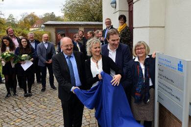 Hochschulrektor Ludwig Hilmer, die Gleichstellungsbeauftragte der Hochschule, Rika Fleck, Oberbürgermeister Ralf Schreiber und Hochschul-Kanzlerin Sylvia Bäßler (von links).