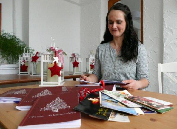 Beim Durchblättern der Adventsbücher stieß Stefanie Zickmantel vom Heimatverein auf viele interessante Beiträge und Basteleien. Einige Zeilen rührten die Borstendorferin fast zu Tränen.