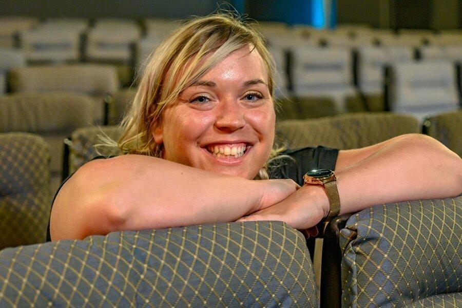 Katharina Repp (Foto) betreibt gemeinsam mit ihrer Schwester Ann-Kristin vier Kinos in Schneeberg, Schwarzenberg, Annaberg und im vogtländischen Auerbach. Das Kino in Schneeberg (Foto) eröffnet am1. Juli nach mehreren Jahren Schließung wieder.