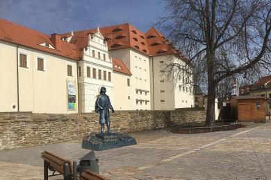 So könnte das Lomonossow-Denkmal am Schlossplatz in Freiberg aussehen. Der Stadtrat hat die Aufstellung im Juni gebilligt.