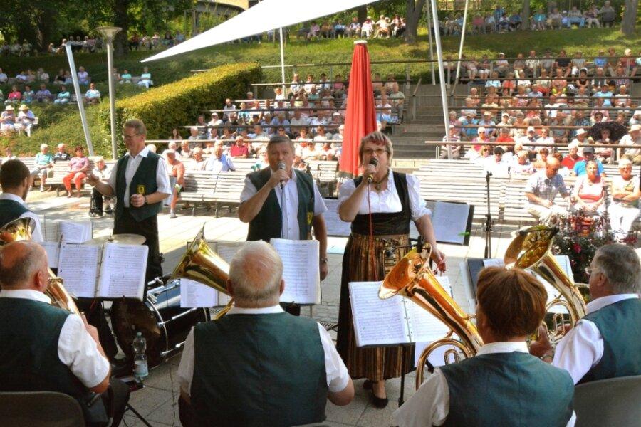 Herolder Blasmusikanten beim Kurparkkonzert