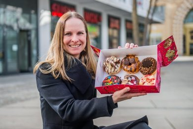 Nicole Lehmann will noch im März einen Donut-Laden am Düsseldorfer Platz eröffnen. Sie hat sich inmitten der Pandemie beruflich neu orientiert.