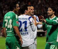 Diego (r.) nach seiner Attacke gegen Christian Eichner