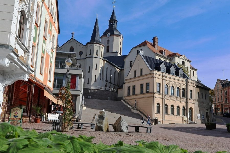 Der Teichplatz verwandelt sich am Sonntag zum Open-Air-Konzertsaal. Foto: Andreas Kretschel/Archiv