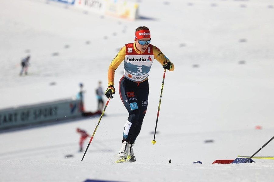Katharina Hennig lief bis zur Hälfte der Distanz über 30 Kilometer um die Medaillen mit. Dann brach sie aber ein und kam auf Platz 18 ins Ziel.