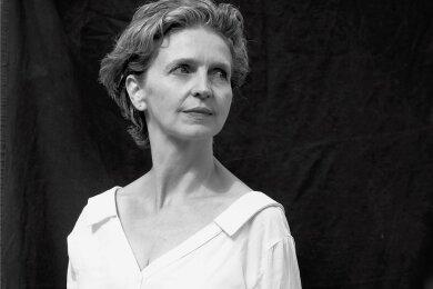 """Am Montag erscheint der Roman """"Kaßbergen"""" der in Karl-Marx-Stadt geborenen Schriftstellerin Patricia Holland Moritz."""