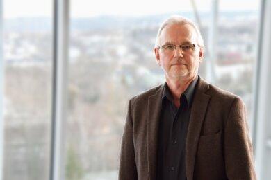 Der Infektiologe Dr. Thomas Grünewald leitet die Klinik für Infektions- und Tropenmedizin am Zentrum Innere Medizin II des Klinikums.