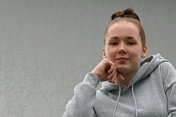 Ein bisschen kann sie wieder lächeln: Luna Rothenberger aus Chemnitz ist froh, dass es ihr nach starken Corona-Symptomen wieder besser geht. Ob es für die 17-jährige Ringerin auch mit der Teilnahme an der EM in der kommenden Woche klappt, ist aber fraglich. Noch ist sie in häuslicher Isolation.