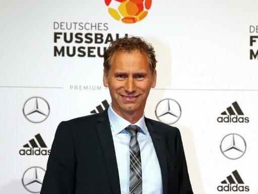 Ansgar Schwenken unterstützt die FIFA-Transferreform