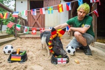 Rudi geht zum England-Napf