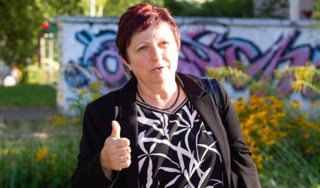 Kleine Frau mit großer Energie: Seit ihrem Amtsantritt am 1. September hastet Plauens neue Baubürgermeisterin Kerstin Wolf von Termin zu Termin auf der Suche nach Lösungen.