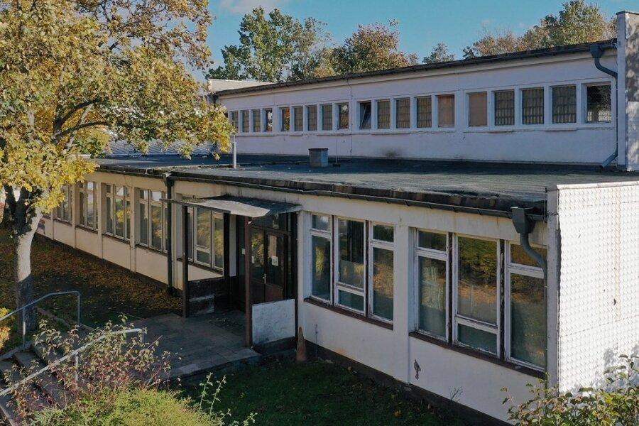 Was wird aus der alten Turnhalle am Sandberg-Gymnasium? Bisher gibt es dazu im Landratsamt noch kein Konzept.