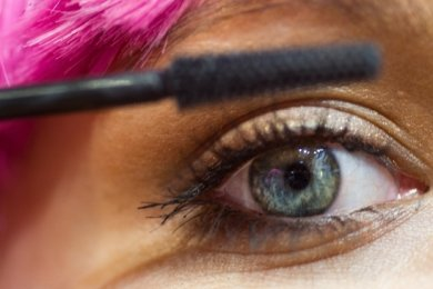 Einen Blick in die Zukunft riskieren, fällt Kosmetikerinnen derzeit sehr schwer.