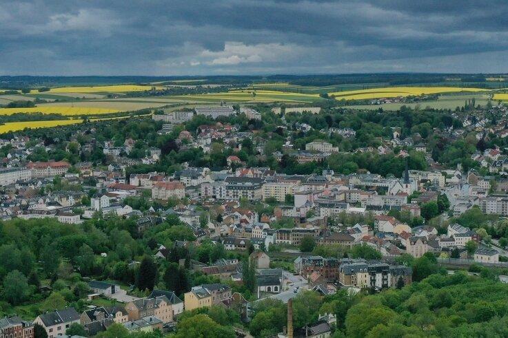 Das mehr als 18.000 Einwohner zählende Crimmitschau aus der Vogelperspektive: Seit Längerem zählt die Stadt mehr Zu- als Wegzüge.