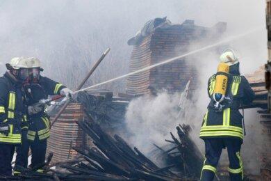 Der Einsatz von Feuerwehren in Claußnitz soll durch eine neue Alarm- und Ausrückeordnung optimiert werden. Bei einem Brand in einer Holzhandlung in Diethensdorf 2006 waren neben der Claußnitzer Wehr, auch Kameraden aus Markersdorf, Diethensdorf und Röllingshain vor Ort.