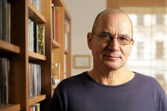 Werner Karma in seiner Berliner Arbeitswohnung.