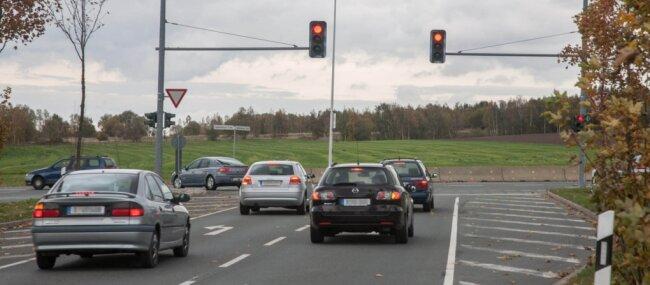 Bislang endet der Südring an der Augustusburger Straße. Verkehrsplaner rechnen damit, dass in vier oder fünf Jahren das erste Teilstück der Verlängerung in Richtung Dresdner und Frankenberger Straße fertiggestellt sein könnte - wenn alles einigermaßen reibungslos läuft.
