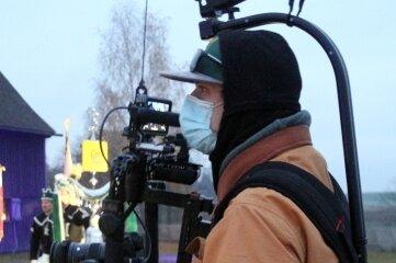 Alles im Kasten: ein Kameramann vom Filmstudio aus Sosa.