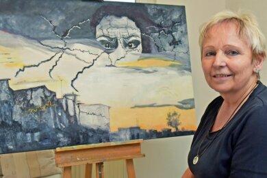 Simone Harnisch hat als leidenschaftliche Malerin das Thema Corona aufgegriffen. Dieses Bild der Zerrissenheit ist das jüngste Werk der Erdmannsdorferin.