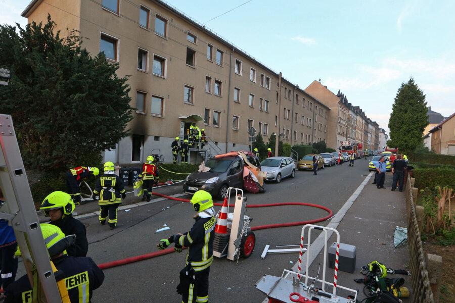 Explosion im Keller eines Mehrfamilienhauses