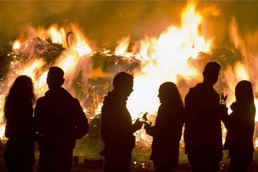 Hexenfeuer als geselliges Beisammensein werden pandemiebedingt voraussichtlich nicht genehmigt.
