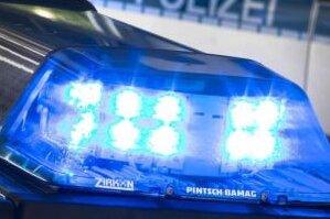 Zwickau: Mann verletzt Kontrolleur in Straßenbahn