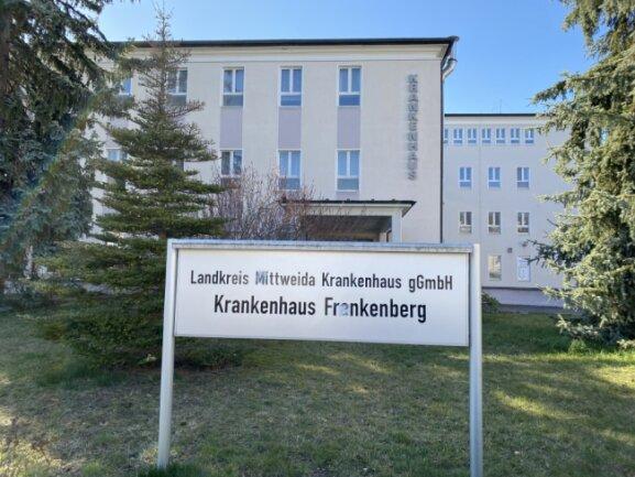 Das Frankenberger Krankenhaus, ehemals von der kreiseigenen Gesellschaft LMK als Standort betrieben, ist Ende 2013 geschlossen worden. Seitdem ringen die Frankenberger mit Plänen für ein Gesundheitszentrum, welches hier angesiedelt werden sollte.