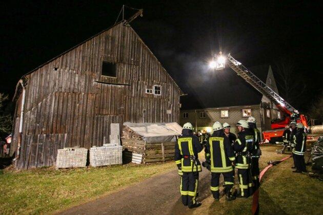 Scheunenbrand in Pfaffroda: Eigentümer nach Löscharbeiten im Krankenhaus
