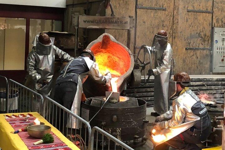In der traditionsreichen Glockengießerei Grassmayr in Innsbruck wurde das Frauensteiner Geläut gegossen.