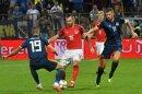 Edin Dzeko (r.) schoss Bosnien zum Sieg gegen Österreich