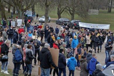 Rund 200 Teilnehmer haben die Demo am Dienstagabend in Waldenburg verfolgt.
