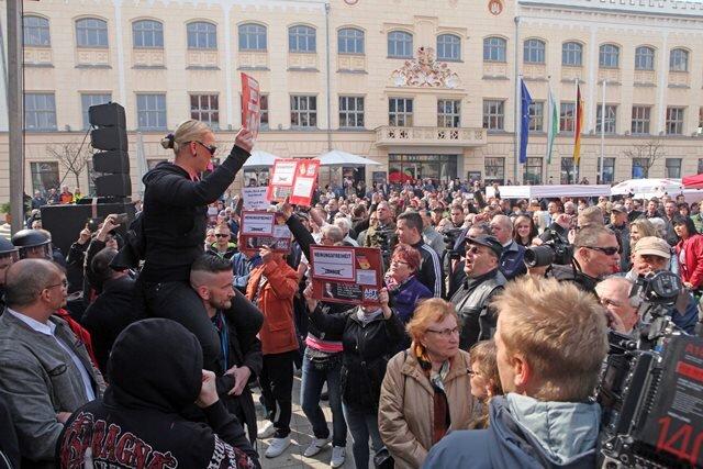 Die Rede von Maas wurde durch laute Rufe und Pfiffe massiv gestört.