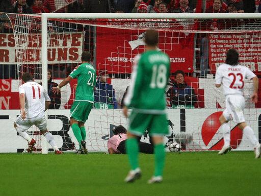 Das Tor zum Glück: Ivica Olic trifft zum 1:0 für die Bayern gegen Haifa