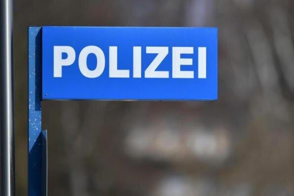 Theaterplatz Plauen: Junger Mann schlägt 50-Jährigen und randaliert