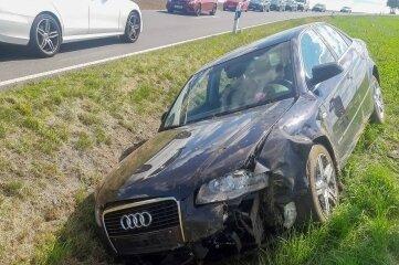 Die Fahrerin des Wagens ist am Freitag auf der B 173 in Niederschöna verletzt worden.