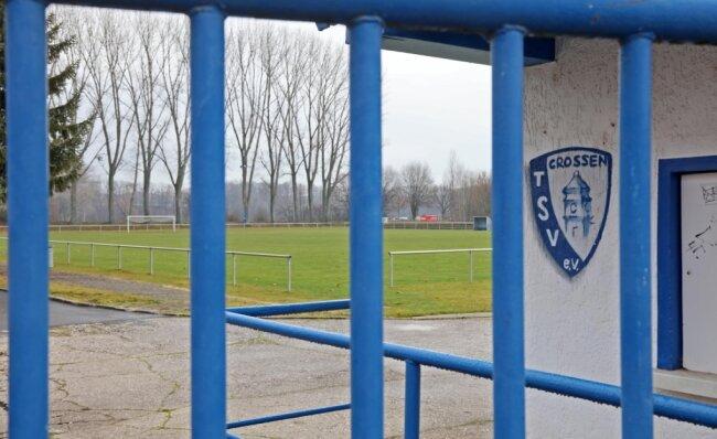 Still ruht der Fußballplatz aktuell nicht nur in Crossen. Wann bei den westsächsischen Vereinen wieder der Ball rollen kann, weiß keiner. Wie die Saison fortgesetzt werden soll, steht aber zumindest schon mal fest.