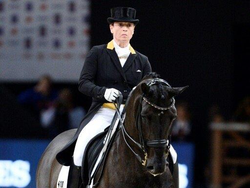 Isabell Werth gewinnt auf Weihegold