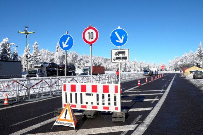 Kontrollen am Grenzübergang Reitzenhain