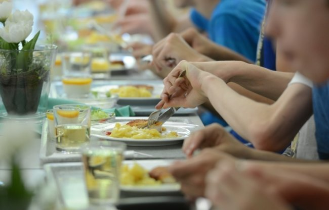Ohne Schüler kein Schulessen. Viele Speisezulieferer können derzeit nur auf Sparflamme kochen.