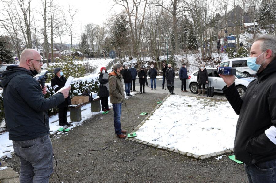 Aufstehen gegen Rassismus: 20 Menschen verfolgen Kundgebung in Schwarzenberg